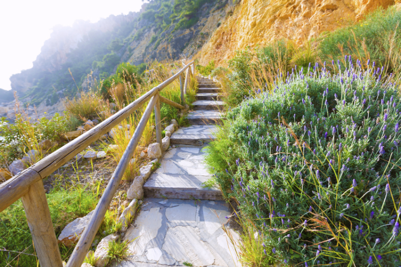 Steps to beach in Alicante