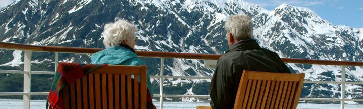 Two-people-enjoying-an-Alaskan-cruise