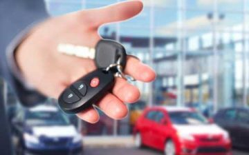 Car keys in a man's hand