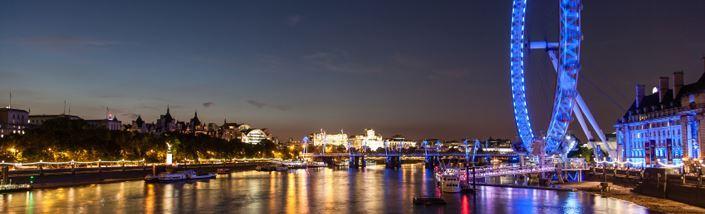 London eye lit up blue for Diabetes Day