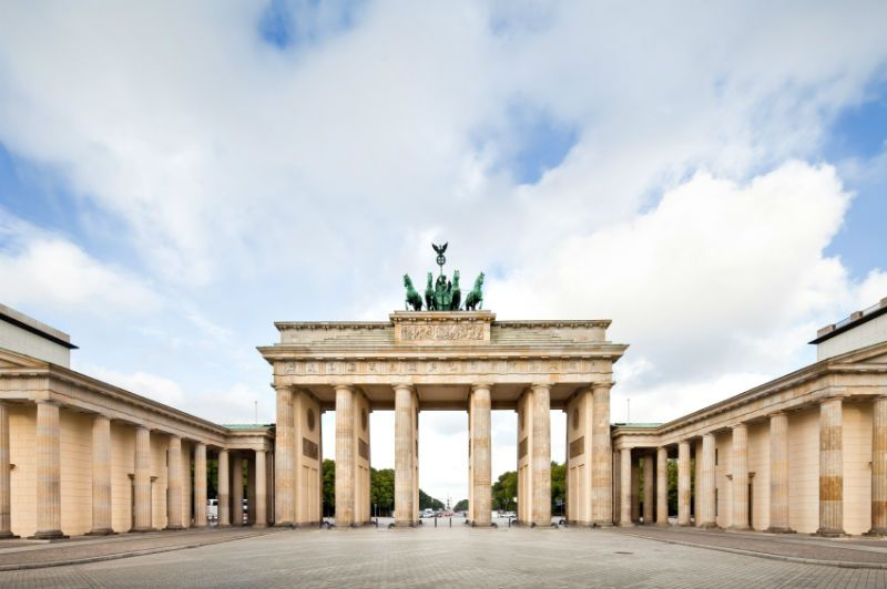 Bradenburg Gate and statue Berlin, Germany