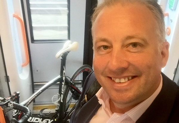 Chris-Rolland-taking-his-bike-to-London