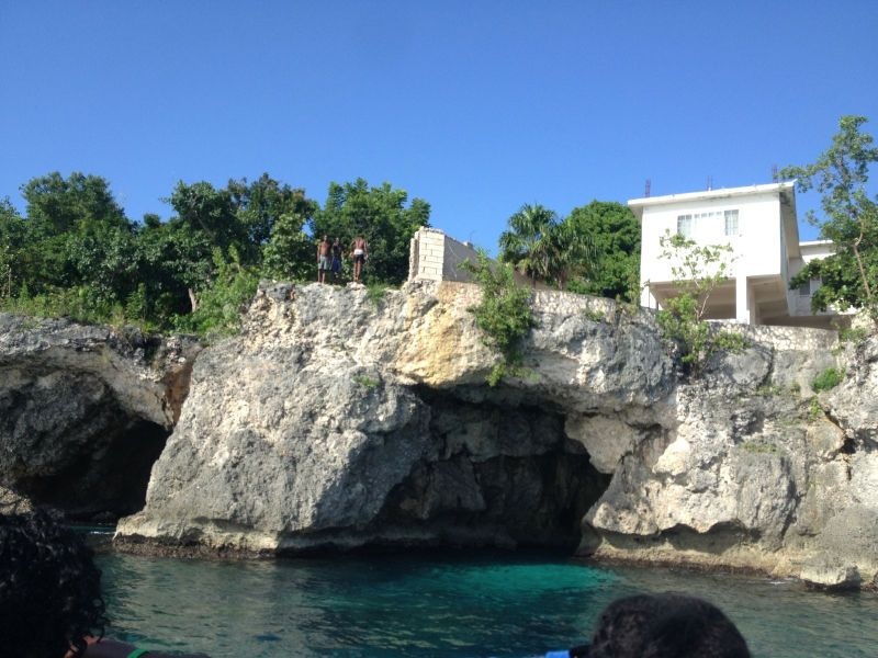 Cliff jumping Negril