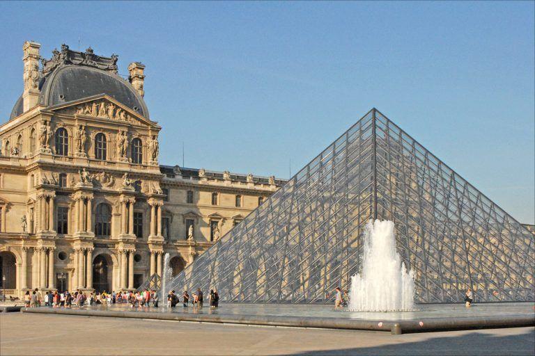 Musee de Louvre Paris