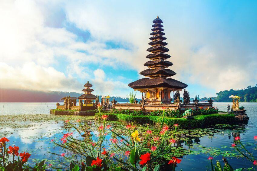 Pura Ulan Danu Bratan water temple, Bali, Indonesia