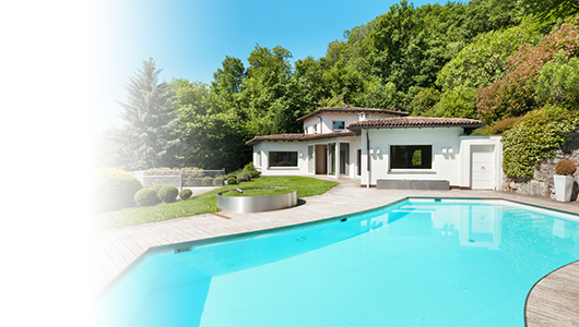 Villa with swimming pool